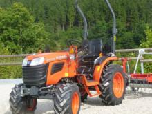 zemědělský traktor Kubota B1241 www.buchens.de