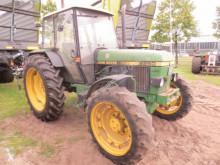 landbouwtractor John Deere 2250 AS
