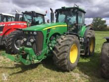 tractor agrícola John Deere 8330