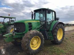John Deere mezőgazdasági traktor 6930
