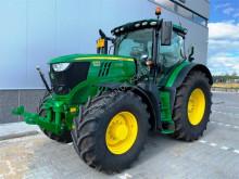 Tractor agrícola John Deere 6 215R usado