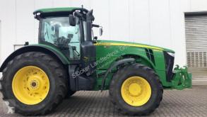 Trattore agricolo John Deere 8360R usato