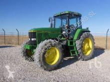 Trattore agricolo John Deere 7700 usato
