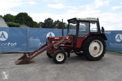 Tracteur agricole International 644