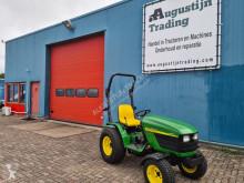 Tractor agrícola John Deere 4110 usado