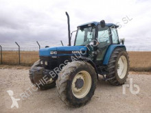 Tracteur agricole Ford 8240DT