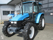 Tractor agrícola New Holland 4835 usado