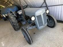 Tractor agrícola tractora antigua Massey Ferguson petit gris TEA 20