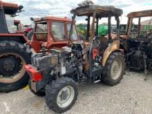 Tractor agrícola Hako 824A Tractor viñedo usado