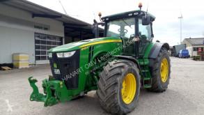 Zemědělský traktor John Deere 8335R použitý