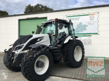 Traktor Valtra ojazdený