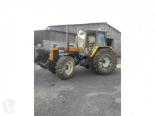 Lantbrukstraktor Renault 155-54 TZ begagnad