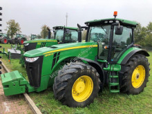 Tractor agricol John Deere 8335R second-hand