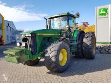 جرار زراعي John Deere 8200 مستعمل