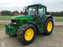 Tractor agrícola John Deere 6810 usado