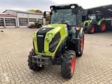 Tractor agrícola Claas Nexos usado