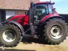 Zemědělský traktor Valtra použitý