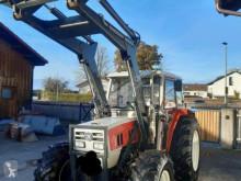 Tractor agrícola Steyr 8075A usado