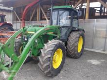 Tracteur agricole John Deere 2040