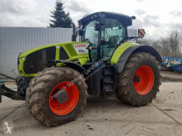 Tracteur agricole Claas Axion 940