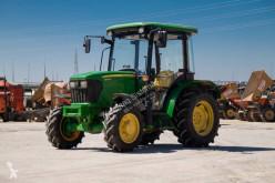 Traktor John Deere 5065 E ojazdený