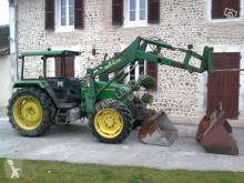 Tractor agrícola tractora antigua John Deere 3200