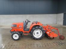 Tractor agrícola Kubota GT 3 usado