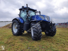 New Holland farm tractor T7.230 AC
