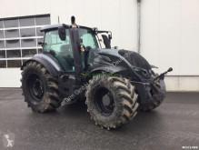Tractor agrícola Valtra T214 versu usado