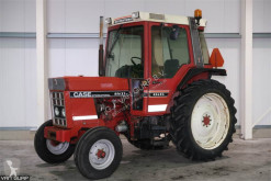 Tracteur agricole Case IH 685