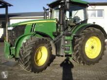 Mezőgazdasági traktor John Deere 7250 R használt