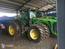 Mezőgazdasági traktor John Deere 8320R használt