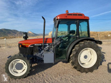 Trattore d'epoca New Holland TN90 F