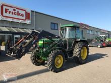 Tractor agrícola John Deere 3040 usado
