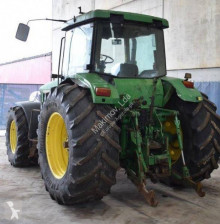 Outro tractor John Deere 8200