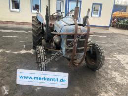 Tractor agrícola Ford Dexta usado