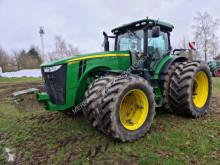 Tractor agrícola John Deere 8270R E23 usado