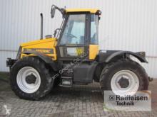 Tractor agrícola JCB usado