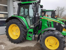 Tracteur agricole John Deere 6090M