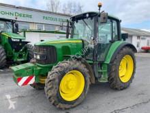 Tracteur agricole John Deere 6220