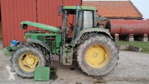 Tracteur agricole John Deere 6900
