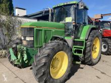 Tracteur agricole John Deere 7600