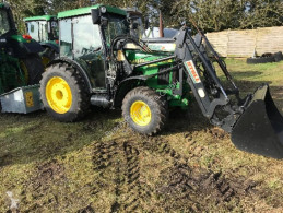 Bahçe traktörü John Deere 5410N