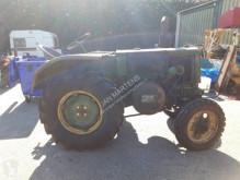 Tractor agrícola tractora antigua SFV 203