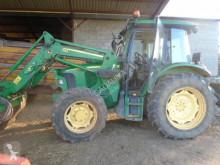 Tractor agrícola John Deere 5720 usado