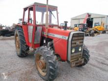 Tarım traktörü Massey Ferguson 275