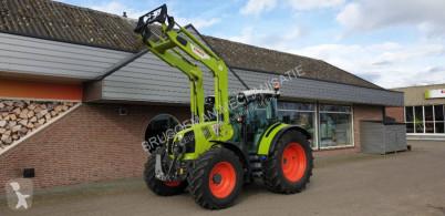 Tractor agrícola Claas Arion 450 usado