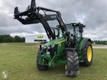 Tractor agrícola John Deere 5100R mit Frontlader usado