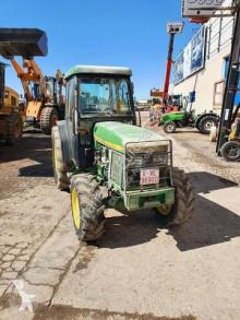John Deere Traktor für Obstanbau 5500N