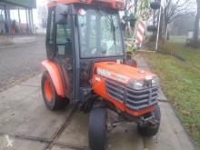 Tractor agrícola Kubota B1700 usado